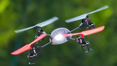 quadcopter-with-leds-outsid